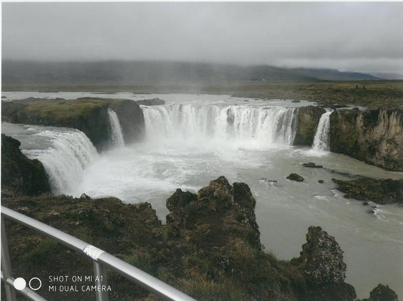 Γύρος Ισλανδίας. Καταρράκτης Γκόνταφος