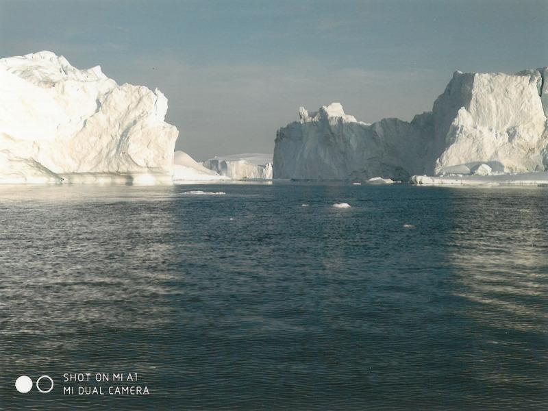 Γροιλανδία Ιλλουλισάτ. Βόλτα μέσα σε παγόβουνα